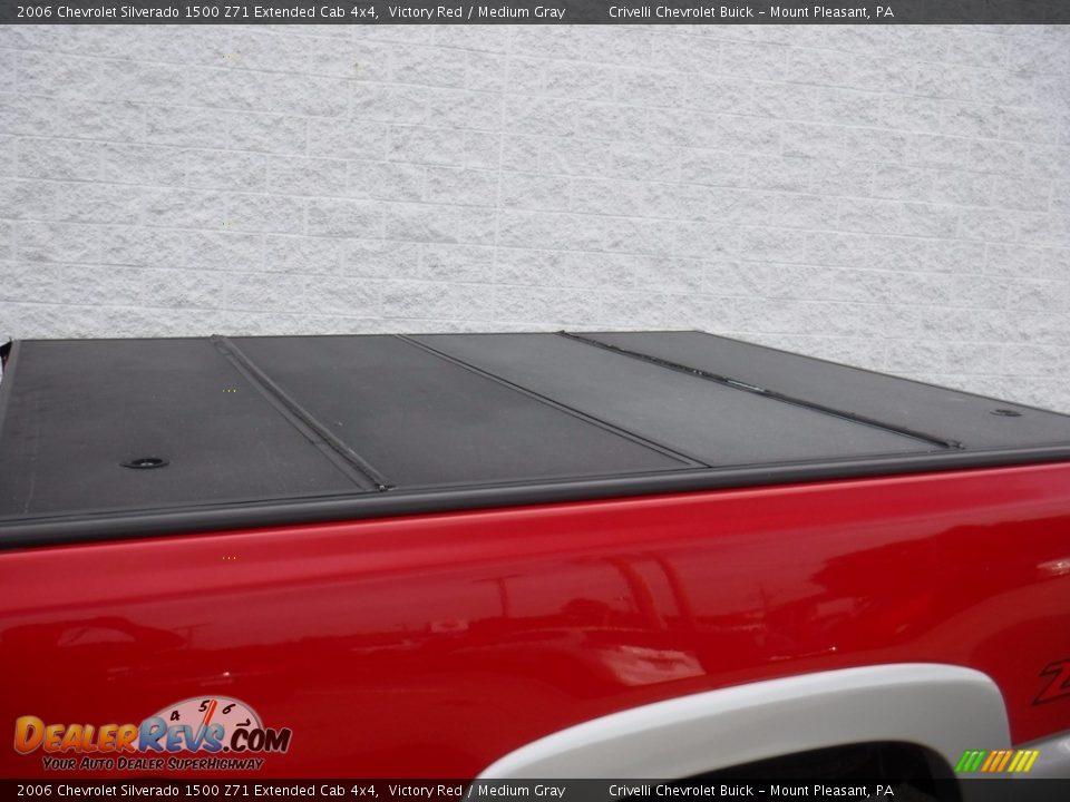 2006 Chevrolet Silverado 1500 Z71 Extended Cab 4x4 Victory Red / Medium Gray Photo #6