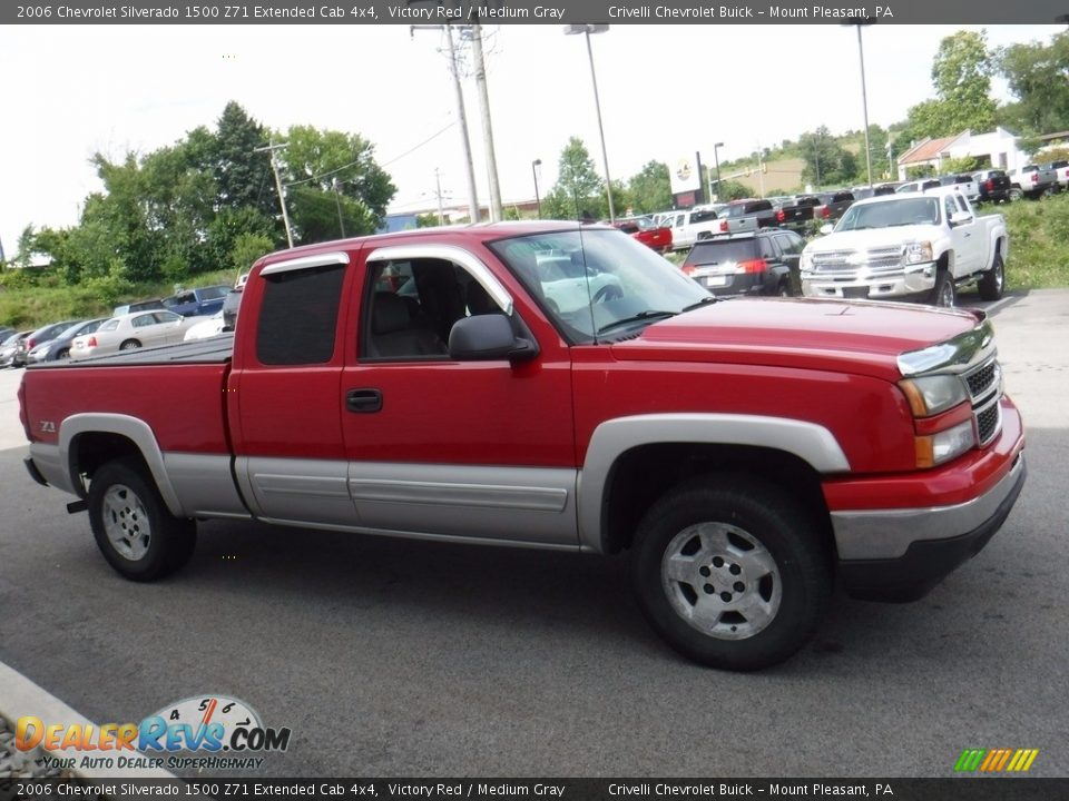 2006 Chevrolet Silverado 1500 Z71 Extended Cab 4x4 Victory Red / Medium Gray Photo #9