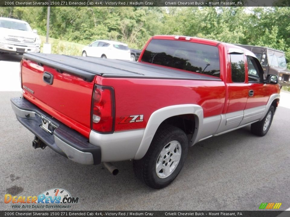 2006 Chevrolet Silverado 1500 Z71 Extended Cab 4x4 Victory Red / Medium Gray Photo #10