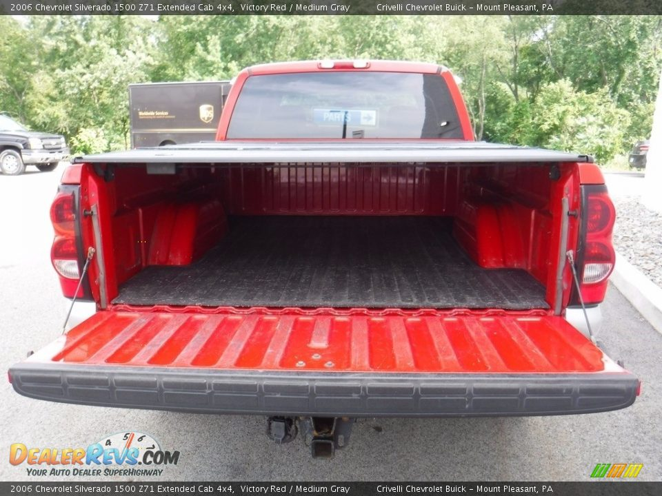 2006 Chevrolet Silverado 1500 Z71 Extended Cab 4x4 Victory Red / Medium Gray Photo #13