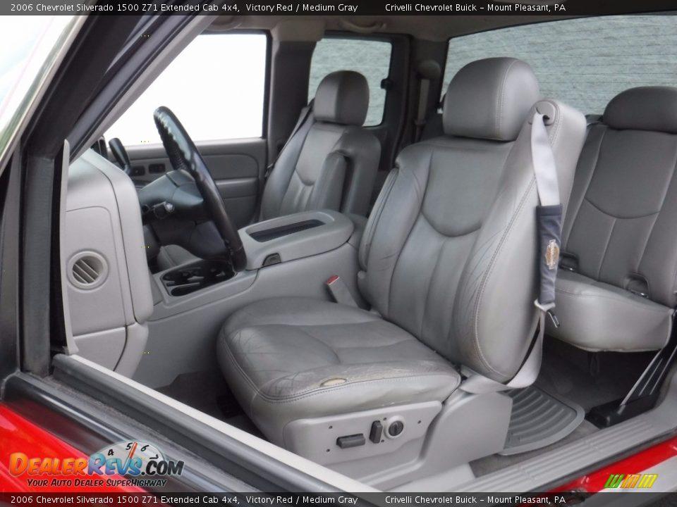 2006 Chevrolet Silverado 1500 Z71 Extended Cab 4x4 Victory Red / Medium Gray Photo #17