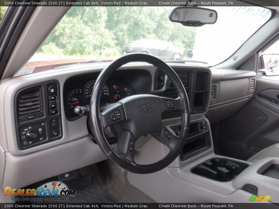 2006 Chevrolet Silverado 1500 Z71 Extended Cab 4x4 Victory Red / Medium Gray Photo #19
