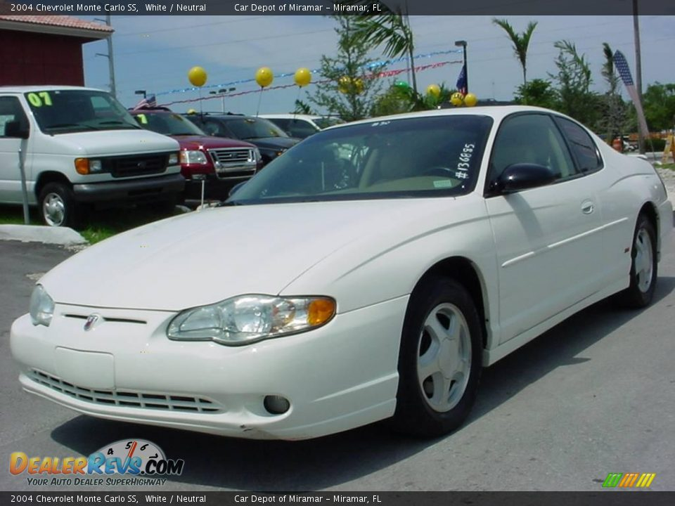 2004 chevrolet monte carlo ss white neutral photo 1. Black Bedroom Furniture Sets. Home Design Ideas