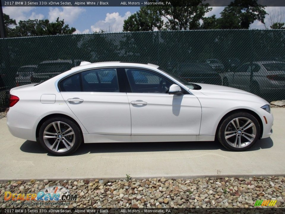 2017 BMW 3 Series 330i xDrive Sedan Alpine White / Black Photo #2