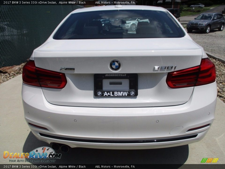2017 BMW 3 Series 330i xDrive Sedan Alpine White / Black Photo #4