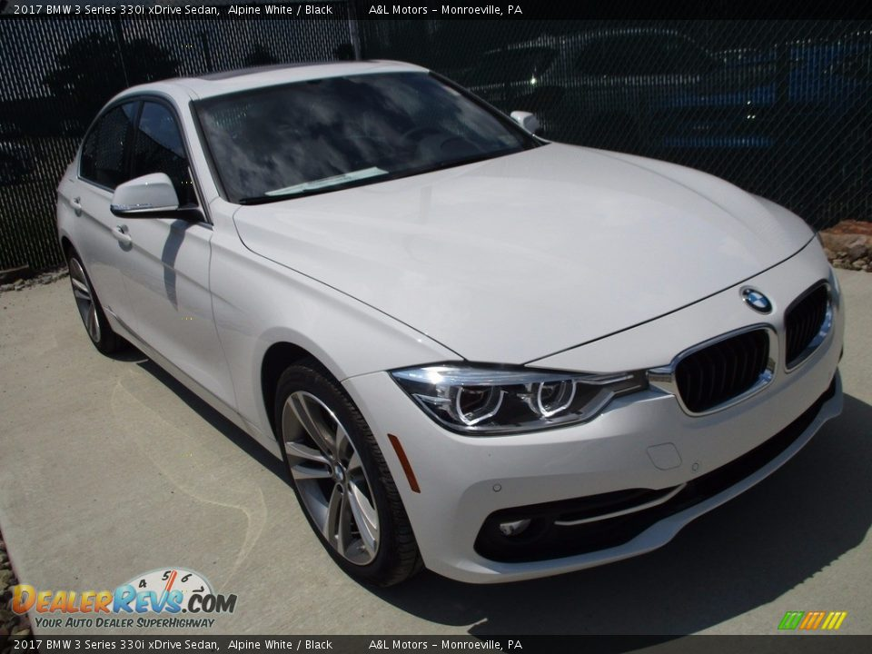 2017 BMW 3 Series 330i xDrive Sedan Alpine White / Black Photo #5