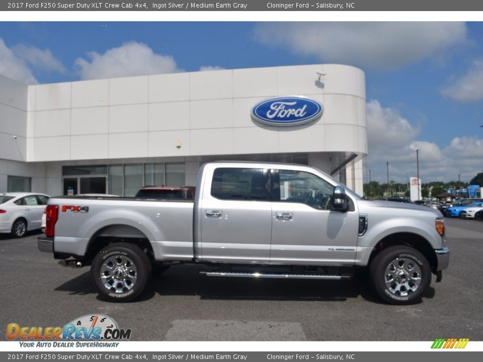 2017 Ford F250 Super Duty XLT Crew Cab 4x4 Ingot Silver / Medium Earth Gray Photo #2
