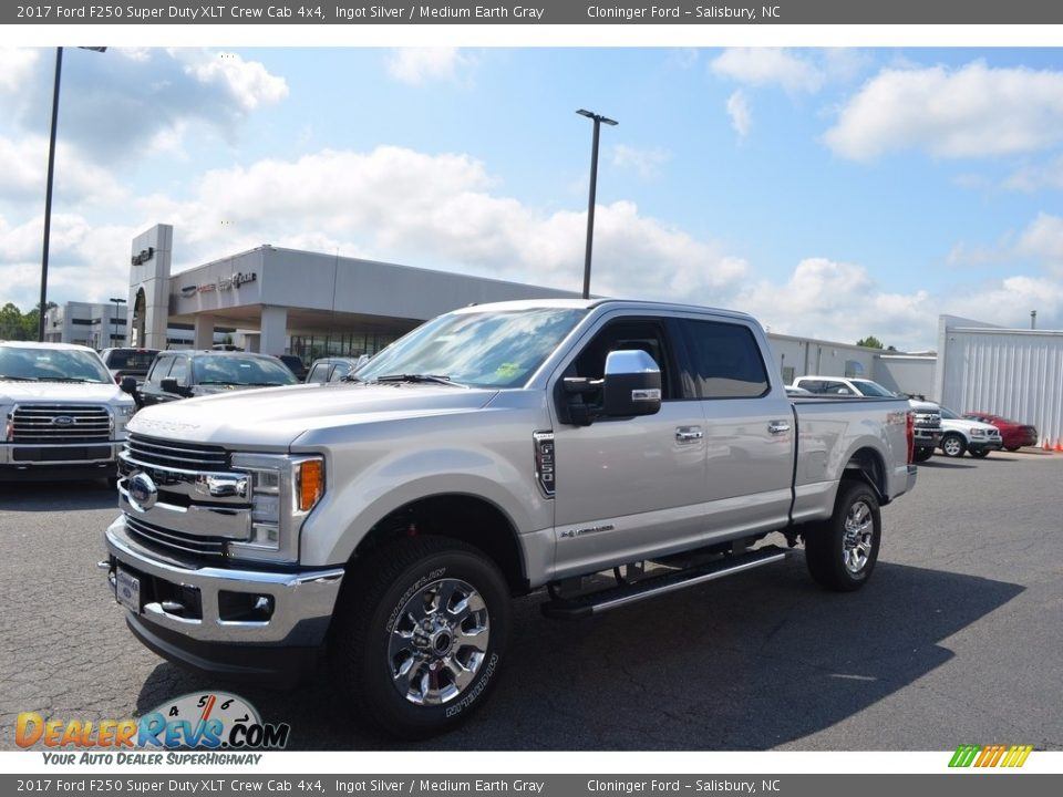 2017 Ford F250 Super Duty XLT Crew Cab 4x4 Ingot Silver / Medium Earth Gray Photo #3