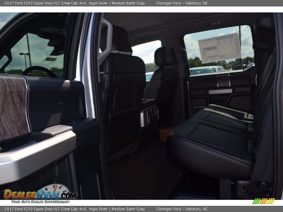 2017 Ford F250 Super Duty XLT Crew Cab 4x4 Ingot Silver / Medium Earth Gray Photo #10