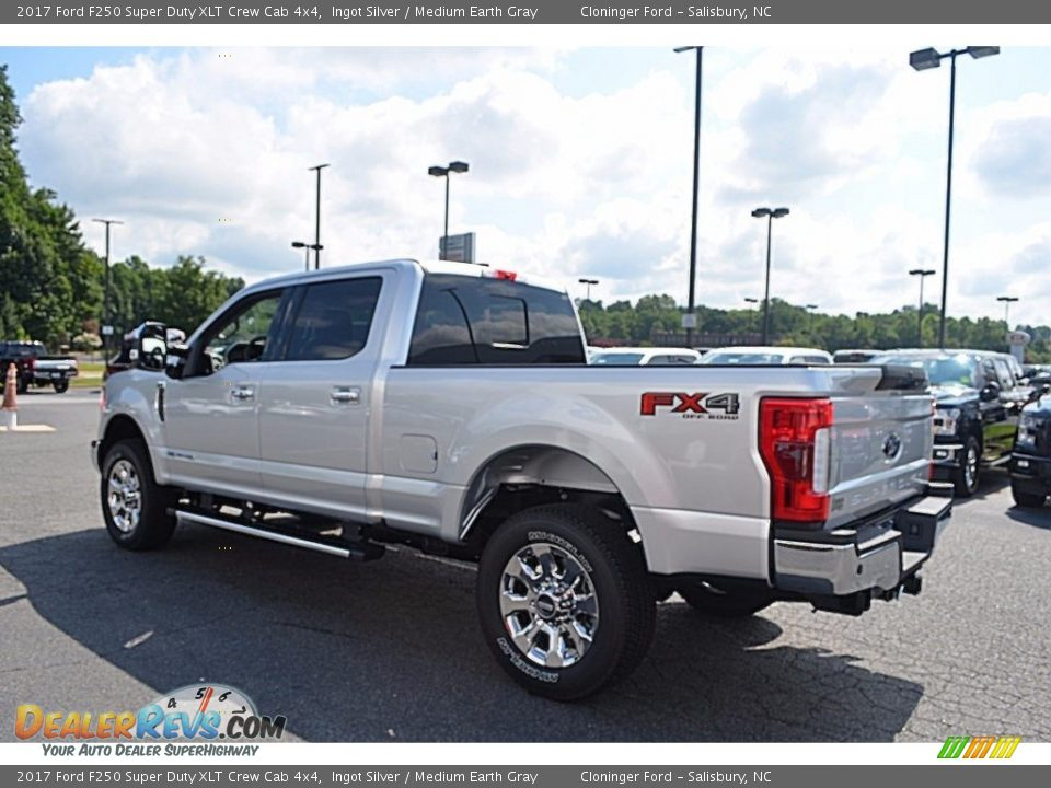 2017 Ford F250 Super Duty XLT Crew Cab 4x4 Ingot Silver / Medium Earth Gray Photo #24