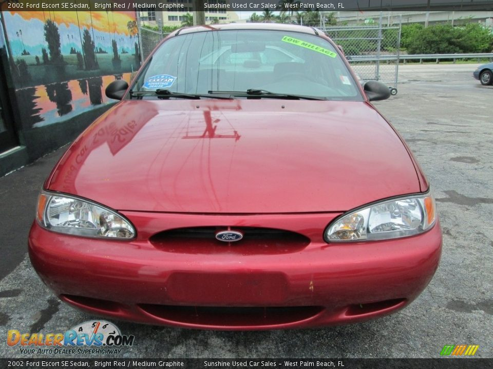 2002 Ford Escort SE Sedan Bright Red / Medium Graphite Photo #5