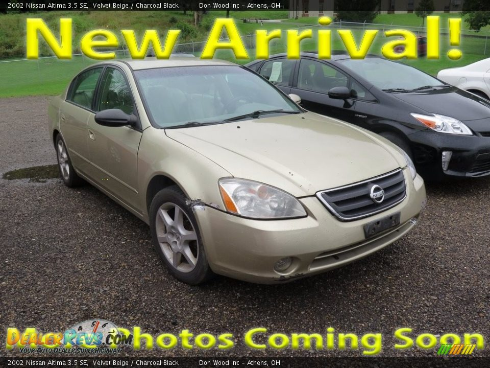 2002 Nissan Altima 3.5 SE Velvet Beige / Charcoal Black Photo #1