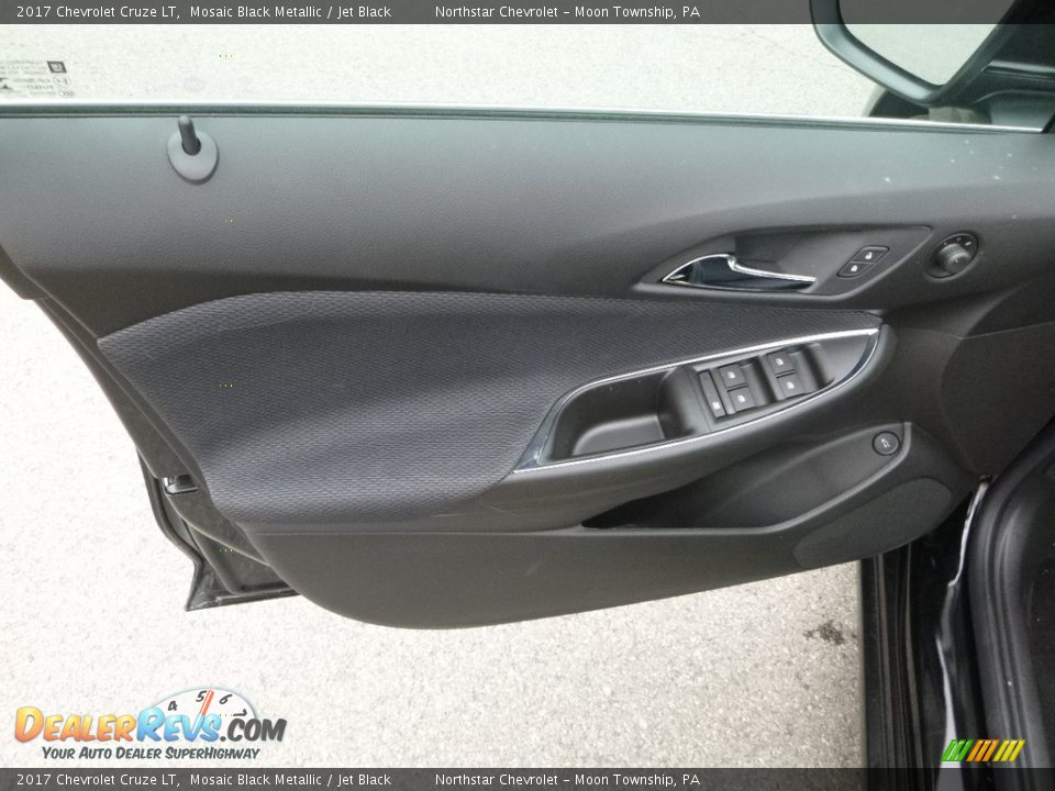 2017 Chevrolet Cruze LT Mosaic Black Metallic / Jet Black Photo #15
