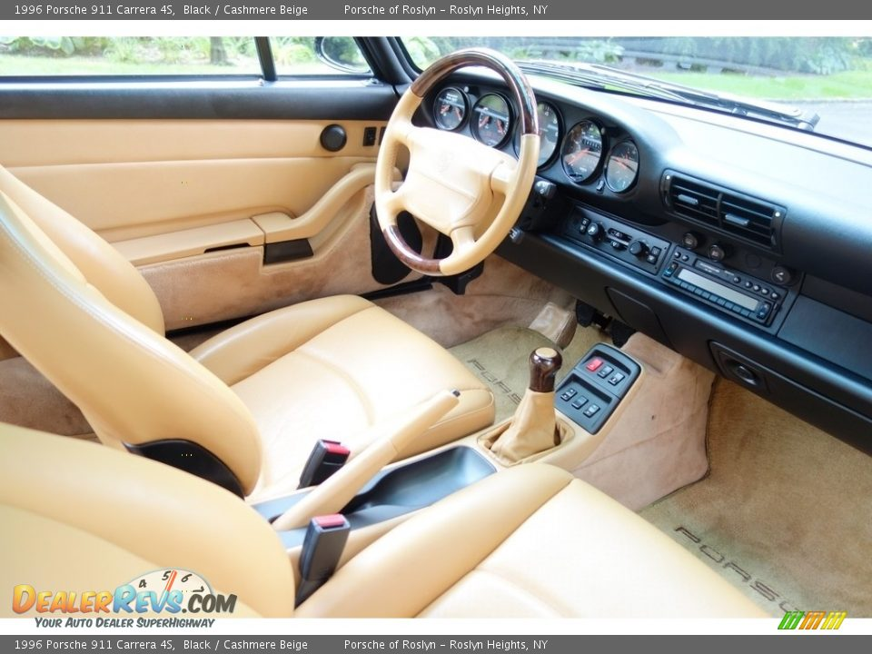 Dashboard of 1996 Porsche 911 Carrera 4S Photo #16