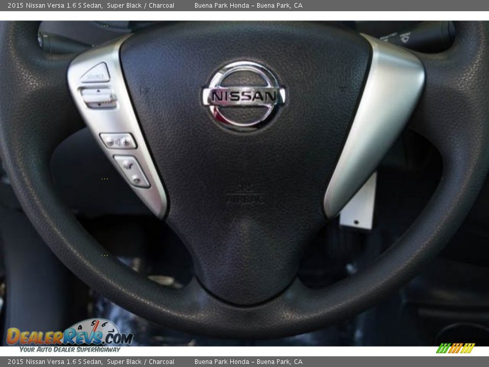 2015 Nissan Versa 1.6 S Sedan Super Black / Charcoal Photo #11
