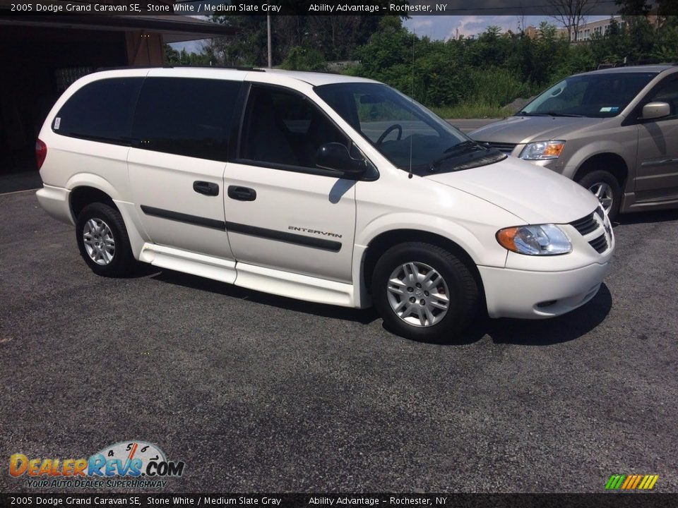 2005 Dodge Grand Caravan SE Stone White / Medium Slate Gray Photo #3