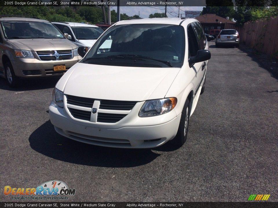 2005 Dodge Grand Caravan SE Stone White / Medium Slate Gray Photo #9