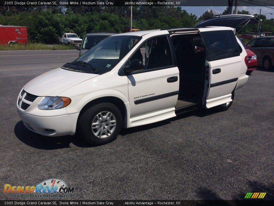 2005 Dodge Grand Caravan SE Stone White / Medium Slate Gray Photo #10