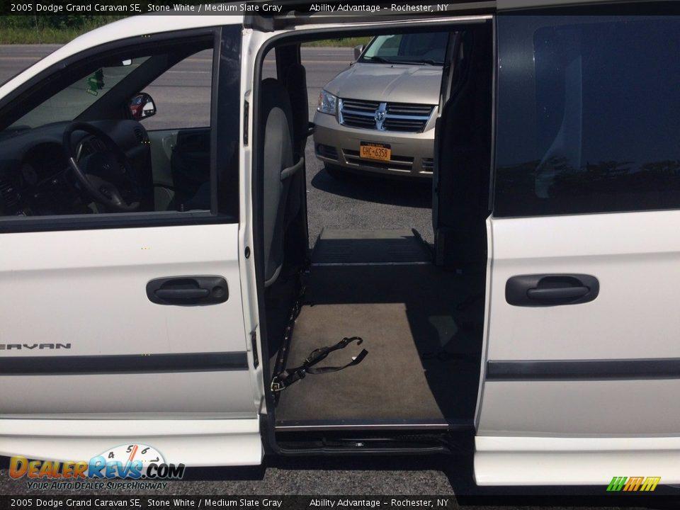 2005 Dodge Grand Caravan SE Stone White / Medium Slate Gray Photo #11