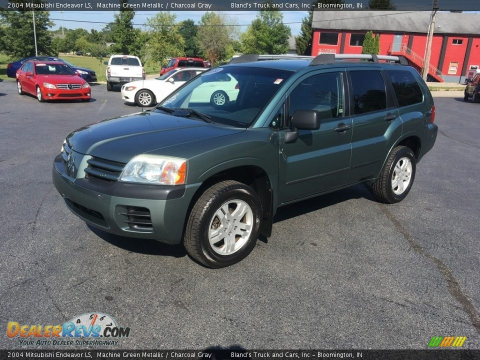 2004 Mitsubishi Endeavor LS Machine Green Metallic / Charcoal Gray Photo #1