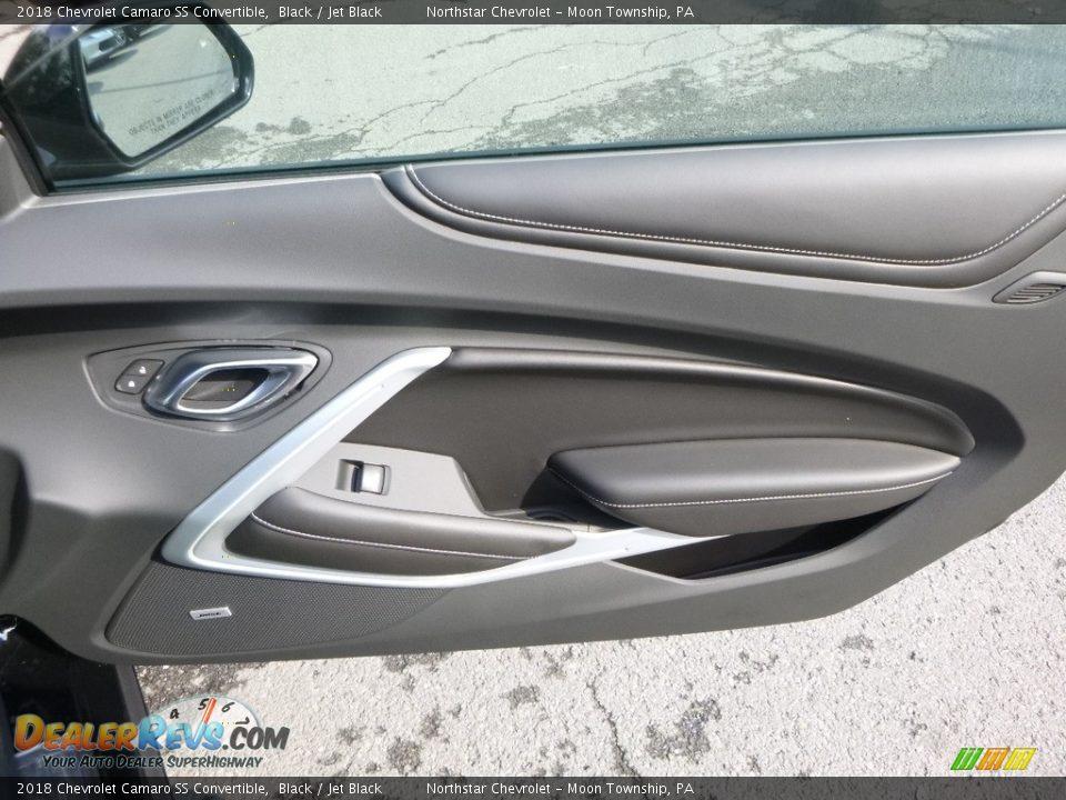Door Panel of 2018 Chevrolet Camaro SS Convertible Photo #10