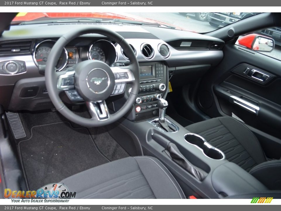 Dashboard of 2017 Ford Mustang GT Coupe Photo #7