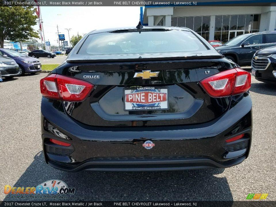 2017 Chevrolet Cruze LT Mosaic Black Metallic / Jet Black Photo #5