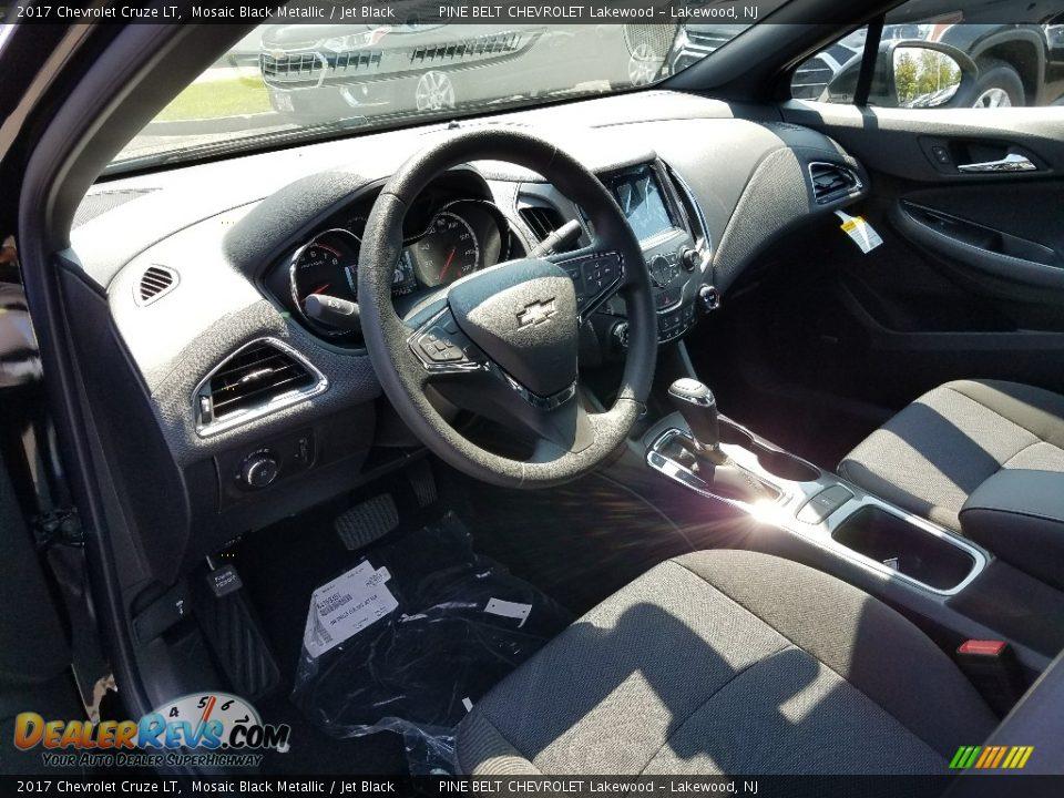 2017 Chevrolet Cruze LT Mosaic Black Metallic / Jet Black Photo #7