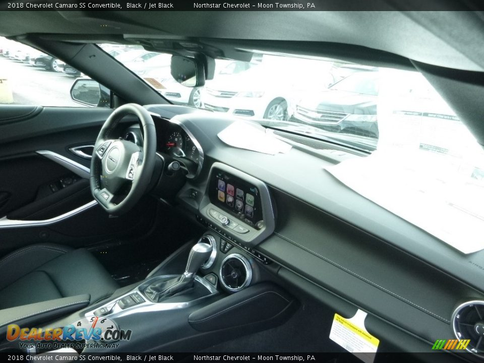 Dashboard of 2018 Chevrolet Camaro SS Convertible Photo #12