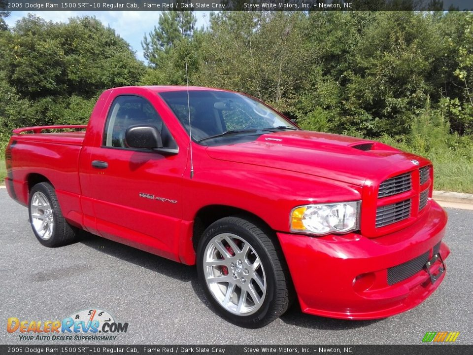 Front 3/4 View of 2005 Dodge Ram 1500 SRT-10 Regular Cab Photo #4