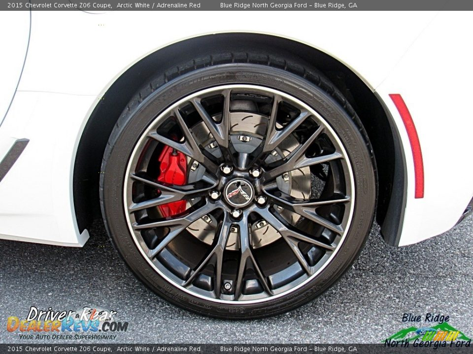 2015 Chevrolet Corvette Z06 Coupe Arctic White / Adrenaline Red Photo #32