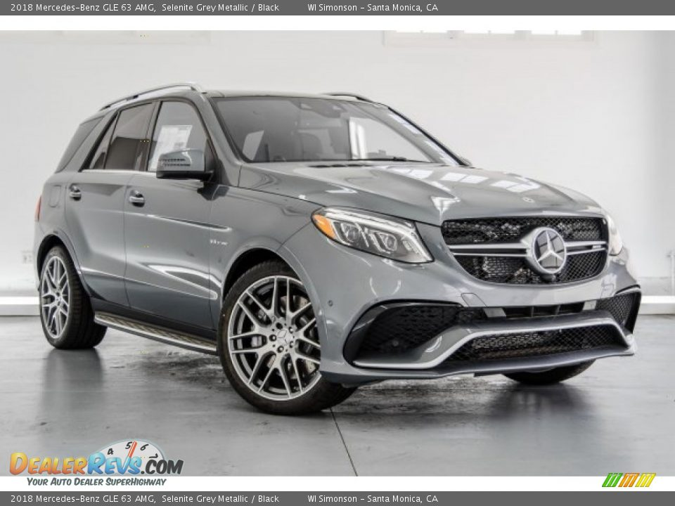 Front 3/4 View of 2018 Mercedes-Benz GLE 63 AMG Photo #11