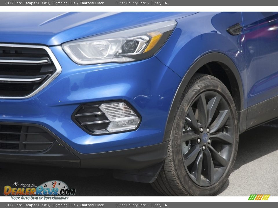 2017 Ford Escape SE 4WD Lightning Blue / Charcoal Black Photo #2
