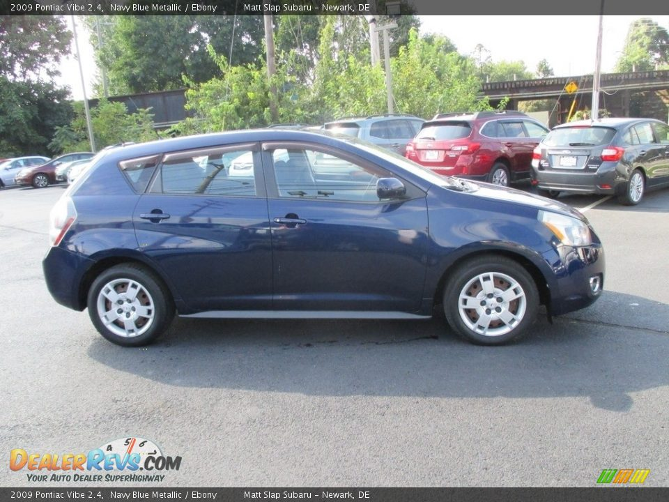 2009 Pontiac Vibe 2.4 Navy Blue Metallic / Ebony Photo #5