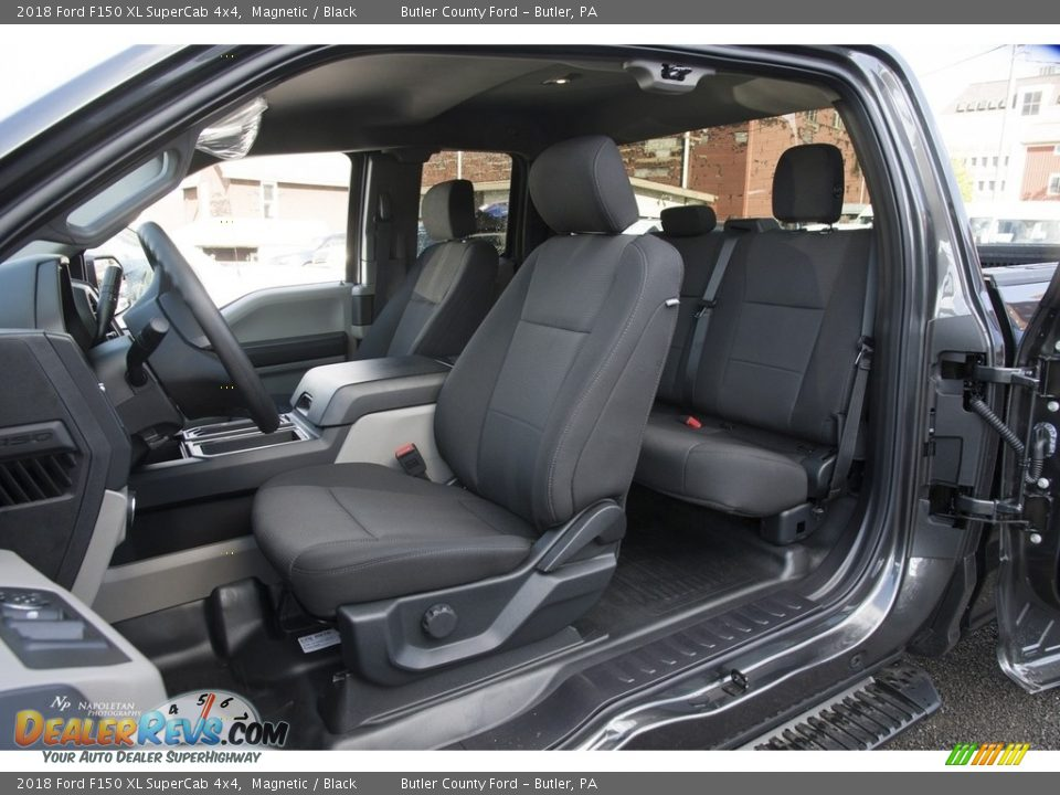 Black Interior - 2018 Ford F150 XL SuperCab 4x4 Photo #8