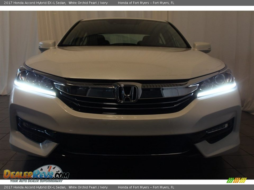 2017 Honda Accord Hybrid EX-L Sedan White Orchid Pearl / Ivory Photo #4