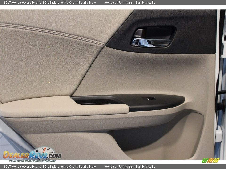 2017 Honda Accord Hybrid EX-L Sedan White Orchid Pearl / Ivory Photo #29