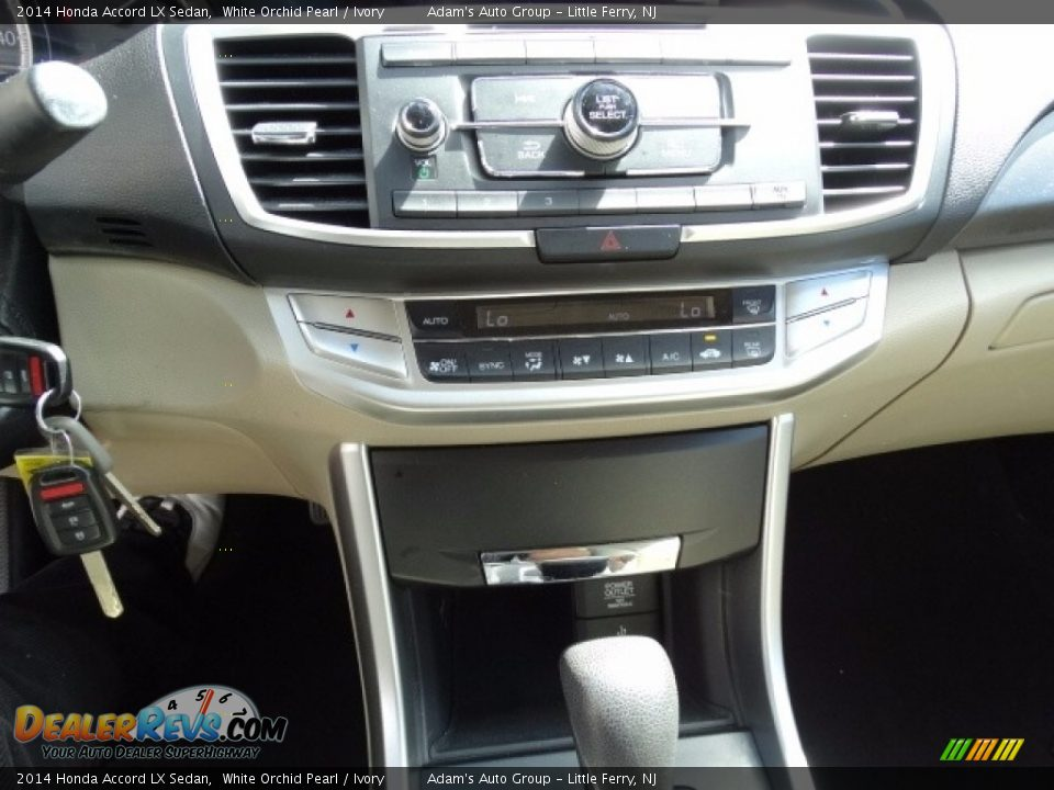 2014 Honda Accord LX Sedan White Orchid Pearl / Ivory Photo #19