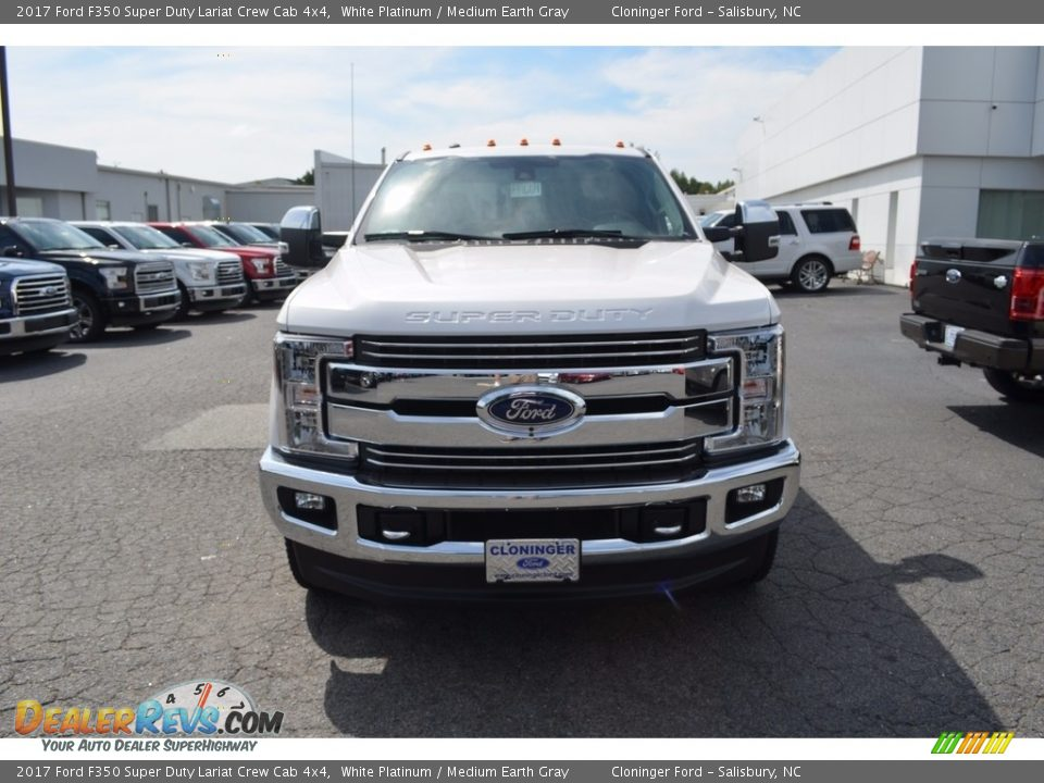 2017 Ford F350 Super Duty Lariat Crew Cab 4x4 White Platinum / Medium Earth Gray Photo #4
