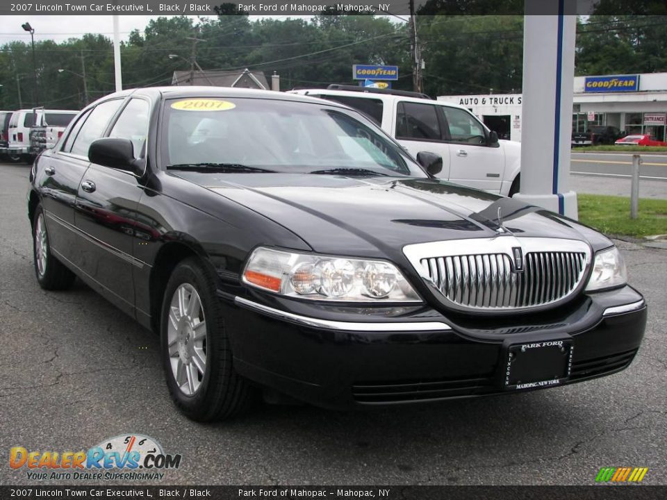 2007 lincoln town car executive l black black photo 2 for State motors lincoln dealer manchester nh