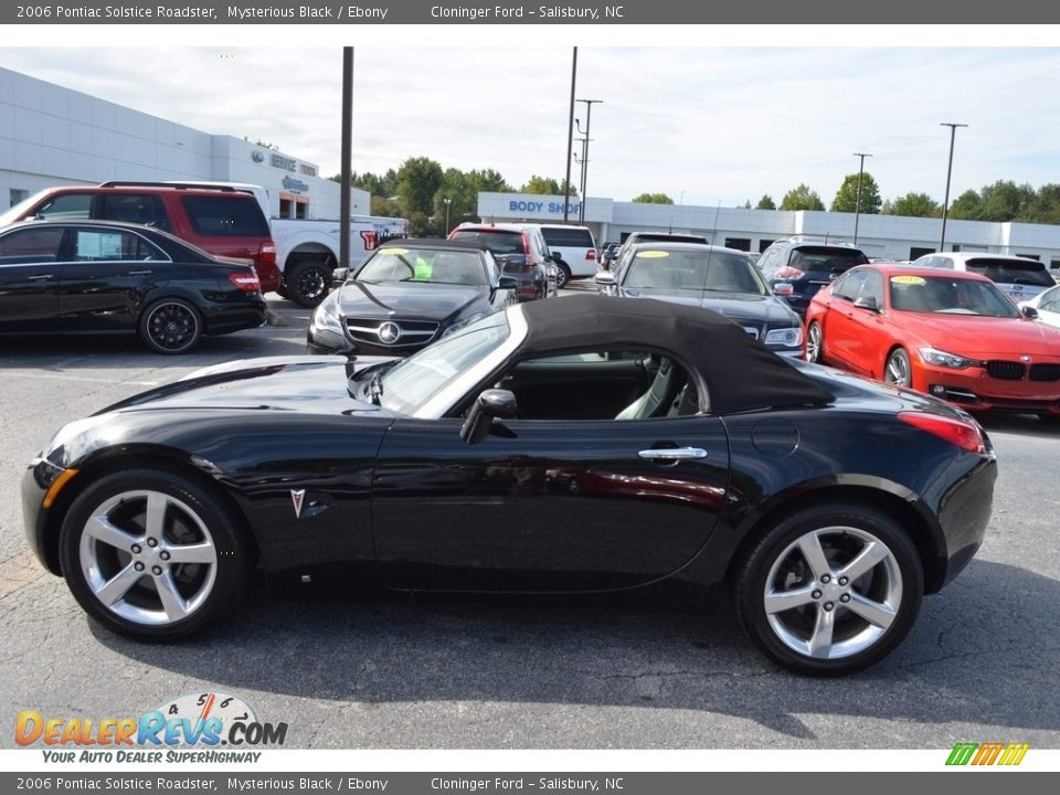 2006 Pontiac Solstice Roadster Mysterious Black / Ebony Photo #6
