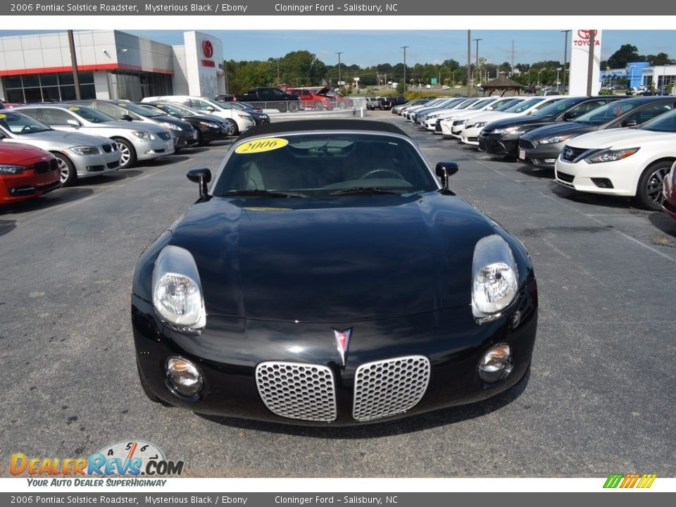 2006 Pontiac Solstice Roadster Mysterious Black / Ebony Photo #18