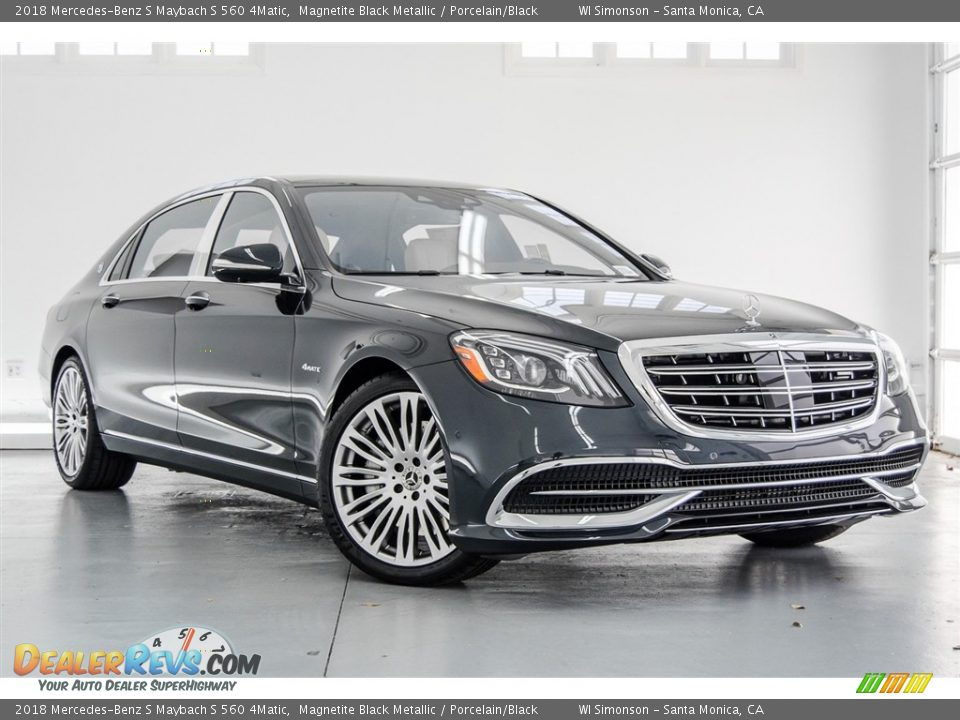 Front 3/4 View of 2018 Mercedes-Benz S Maybach S 560 4Matic Photo #12