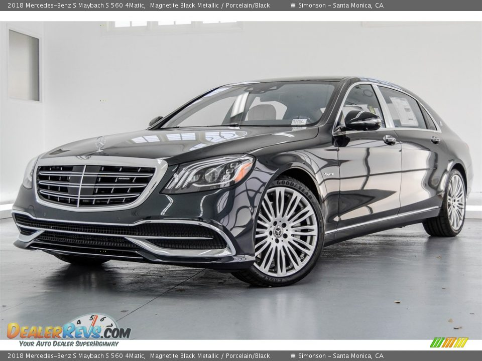 Front 3/4 View of 2018 Mercedes-Benz S Maybach S 560 4Matic Photo #14