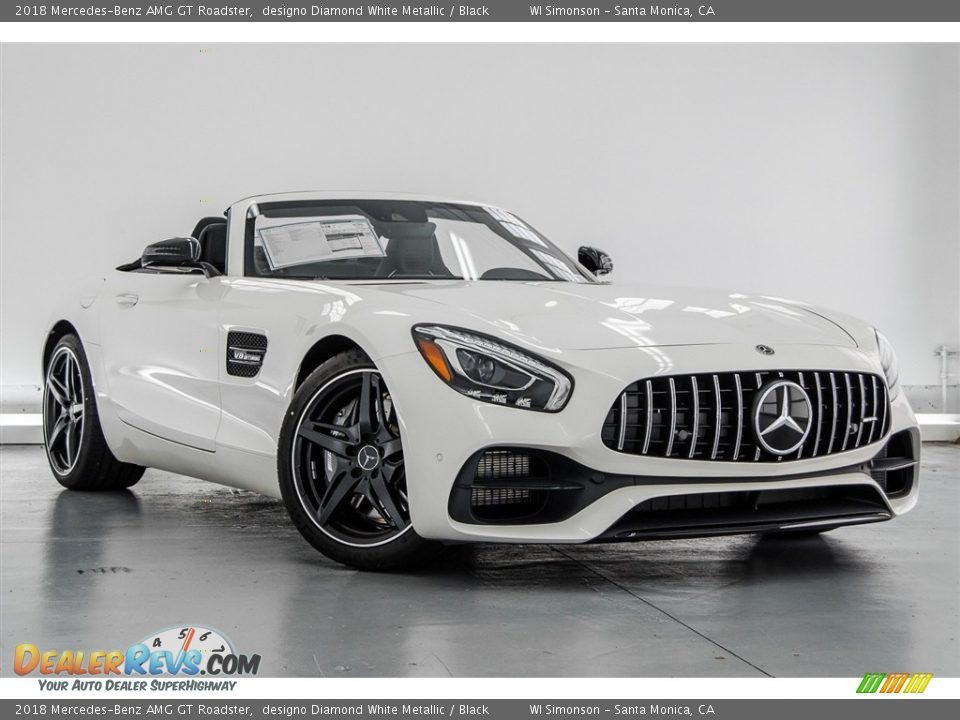 Front 3/4 View of 2018 Mercedes-Benz AMG GT Roadster Photo #31