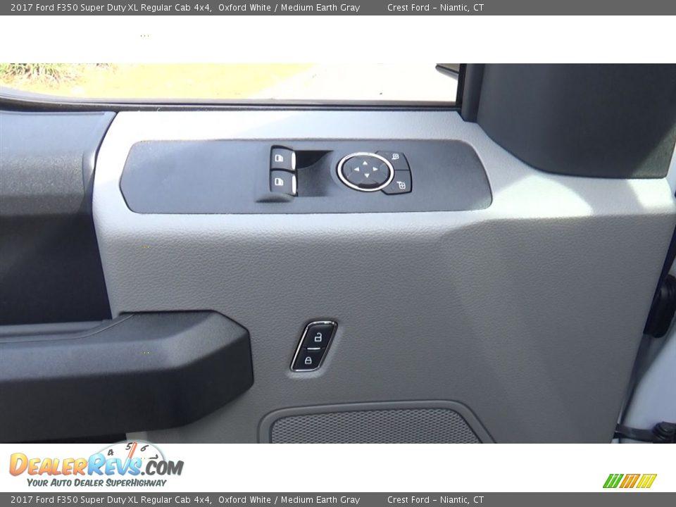 2017 Ford F350 Super Duty XL Regular Cab 4x4 Oxford White / Medium Earth Gray Photo #12
