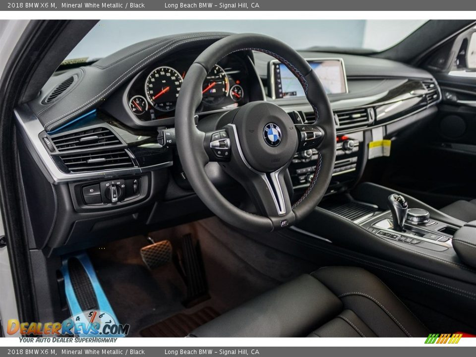 Front Seat of 2018 BMW X6 M  Photo #6