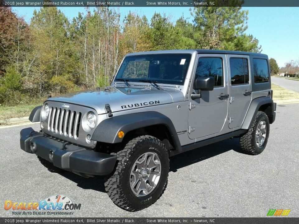 Front 3/4 View of 2018 Jeep Wrangler Unlimited Rubicon 4x4 Photo #2