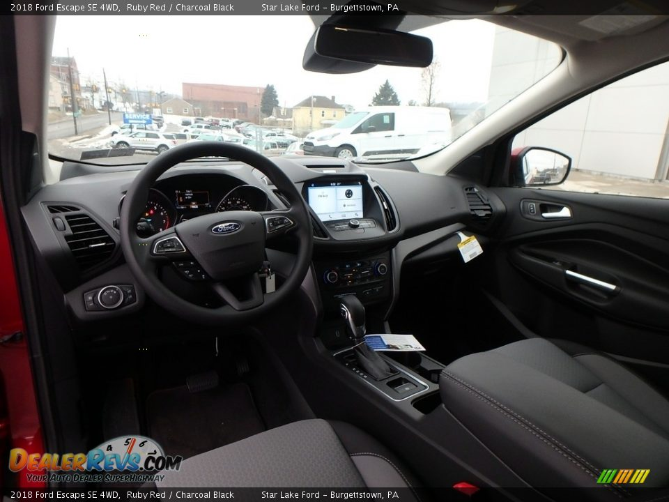 Front Seat of 2018 Ford Escape SE 4WD Photo #12