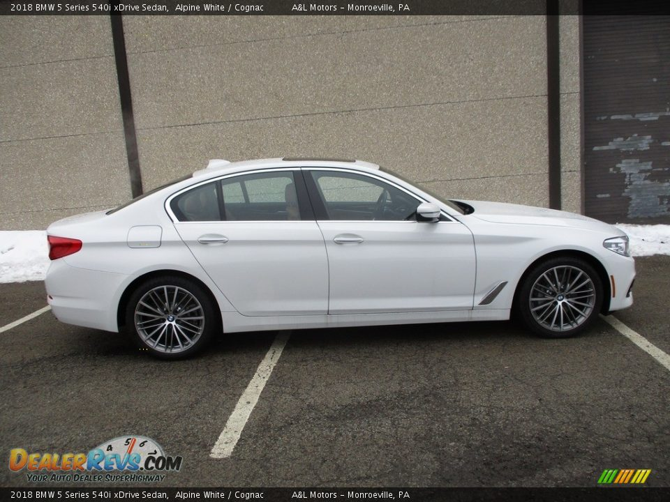 2018 BMW 5 Series 540i xDrive Sedan Alpine White / Cognac Photo #2